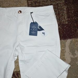 American Eagle white low-rise jeggings